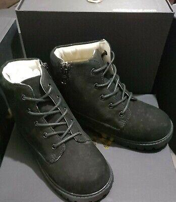 Akid Atticus Black Boots Size 2 Y US.