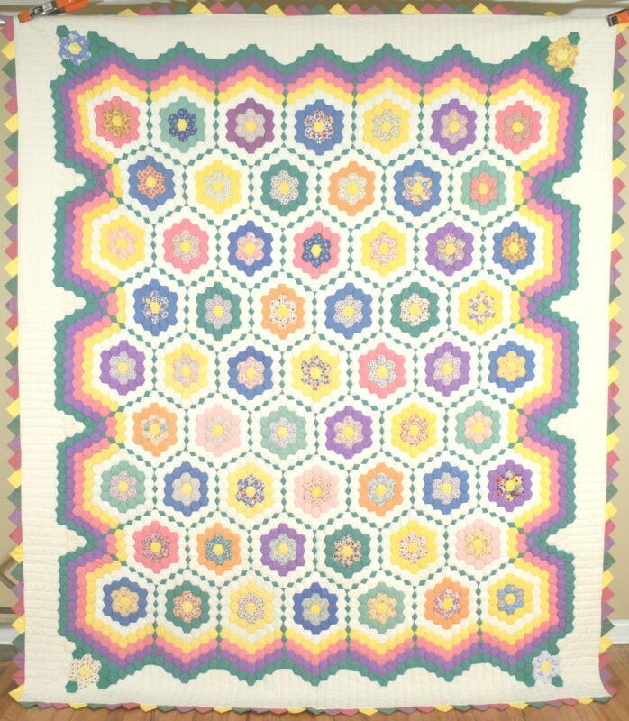 Large Vintage Flower Garden Antique Quilt ~BEAUTIFUL FABRICS & NICE BORDERS!
