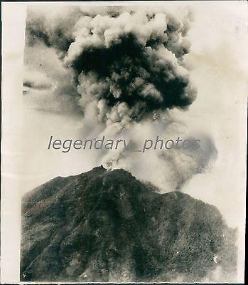 The Hibok Hibok Volcano In Philippines Erupts Original News Service Photo