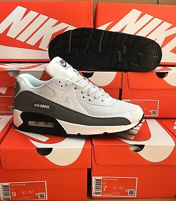 NIKE AIR MAX 90 SIZE 9 ESSENTIAL WHITE MENS TRAINERS....UK SIZE 9