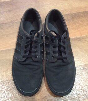 Adidas Men's Shoes - Size 10US