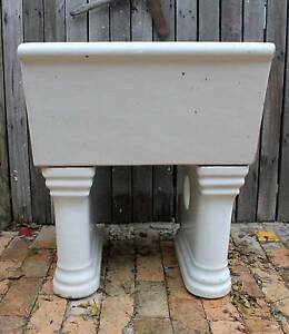 Old Laundry Tub Speers Point Lake Macquarie Area Preview