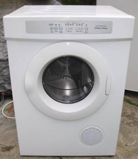 5 kg Fisher&Paykel CLOTHES DRYER in good condition& working order