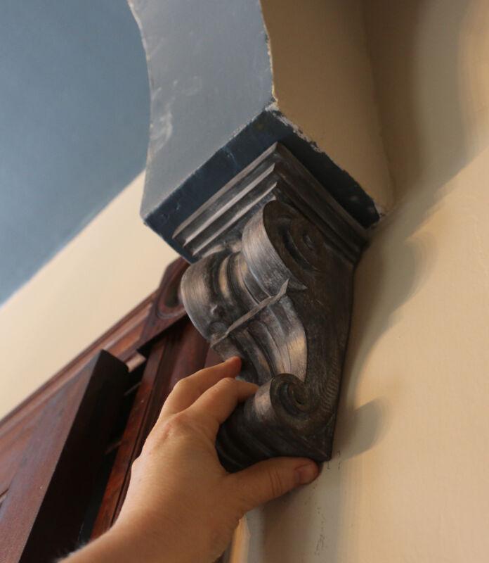 Set Of 2 (pair) Large Rustic Corbels Bookends Scroll Shelf Bracket Distressed