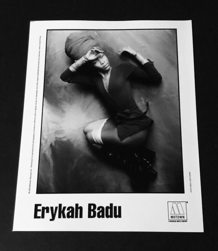 ERYKAH BADU -  2000 MOTOWN Records B & W 8 x 10 Promo Publicity Press Photo R&B