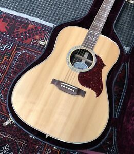 Gibson Songwriter Deluxe Standard Guitare Acoustic -Electric