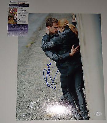 Shailene Woodley Theo James Signed  Divergent  11X14 Photo Jsa Authentic M84043