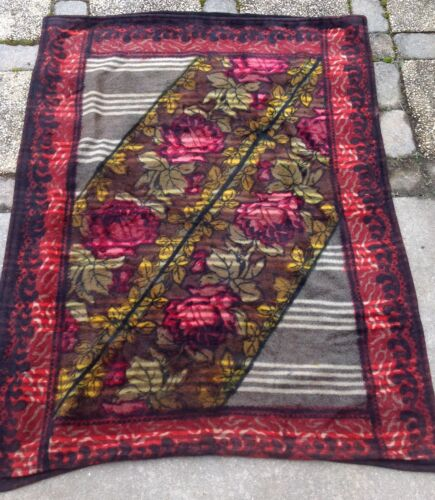 VINTAGE CHASE MOHAIR HORSEHAIR BUGGY CARRIAGE LAP SLEIGH BLANKET RED ROSES