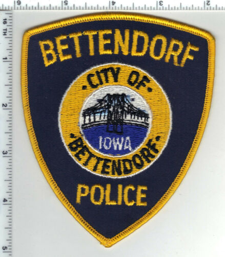 Bettendorf Police  (Iowa)  Shoulder Patch - new from the Early 1980