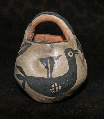 """Exceptional Antique Santo Domingo (Kewa) or Cochiti Pueblo Pottery Basket 4.5""""h"""