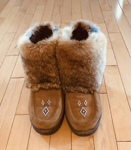 Brown mukluks retailed $250 size 8