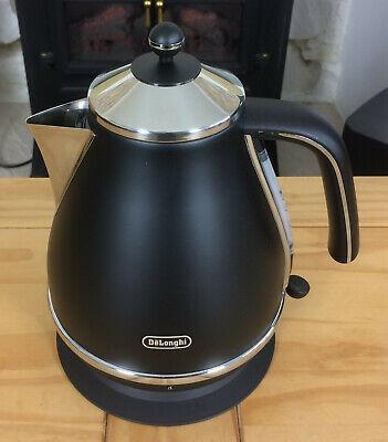 DeLonghi Icona Vintage Kettle In Matt Black KBOV3001.BK1 (2)