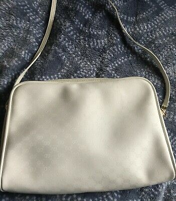 Authentic Gucci White Cream Leather Zip/Crossbody Bag