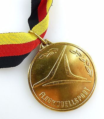 #e5604 Medaille Flugmodellsport Internationaler Wettkampf in Gold