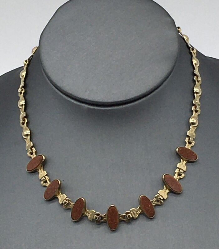 VINTAGE RETRO GOLD TONE AND SIMULATED GOLDSTONE OVALS CHOKER NECKLACE