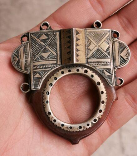 Antique Old Silver Tribal Tuareg Amulet Agate Engraved Pendant Africa