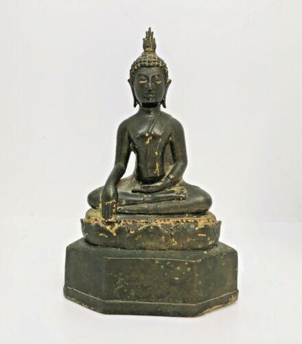 16th Century Chiensaen with Original Gilt on the Bronze Seated Buddha