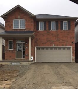 4 bedrooms house for rent in Brantford