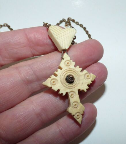 ANTIQUE VICTORIAN CARVED CROSS STANHOPE NECKLACE LE ST SEPULCRE RELIGIOUS PIECE
