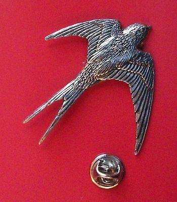 English Pewter SWALLOW, bird Pin Badge Tie Pin / Lapel Badge (XTSBPB25)