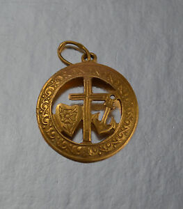 18K YELLOW GOLD 3D FAITH HOPE CHARITY CROSS HEART ANCHOR PENDANT IN FRAME
