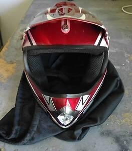 Kids motocross helment + Scott goggles + Shift gloves Logan Village Logan Area Preview