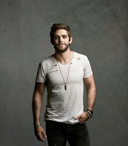 2 Thomas Rhett Floor Seats Row 1 Tickets 2017