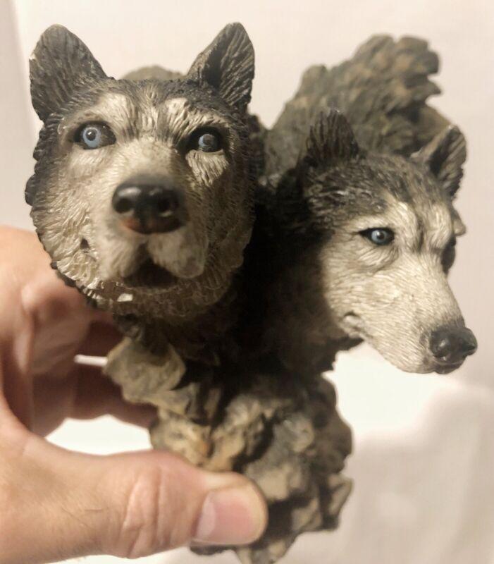 Decorative Wolf Heads Looking Forward Figurine Statue