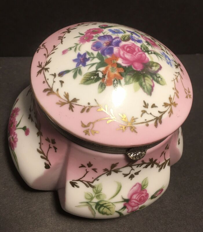 Vintage R S Hinged Porcelain Dresser Box with Flowers and Gold Gilt