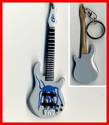 METALLICA - GUITARE BASSE MINIATURE PORTE CLE ! ROBERT TRUJILLO Blue Flame Metal