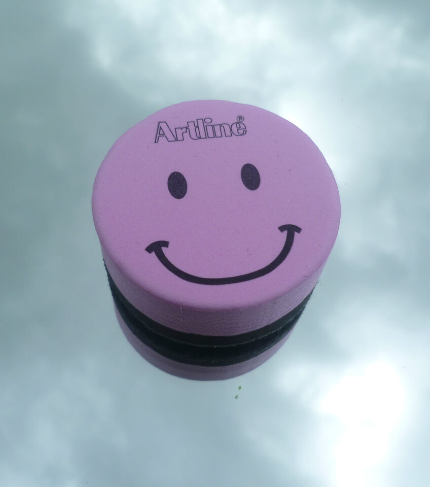 Various colours Artline magnetic smiley face white board eraser rubber