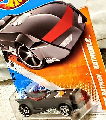 HOT WHEELS 2011 THE BATMAN BATMOBILE 📸 TRACK STARS 🎯 MINT 🎯SHIPPED IN A BOX..