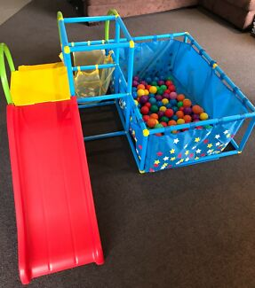 Eezy Peezy Playset with ball pit and slide