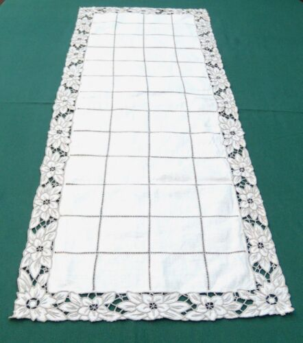 Antique Linen Madeira Table Runner Embroidered floral 15 x 33