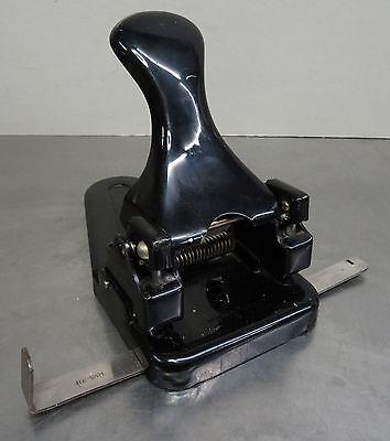 Antiker schwerer Leitz Locher mit Rasterschiene für  DIN A4 - A5 - A6