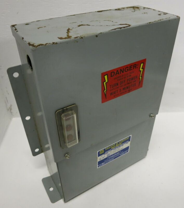 Square D Var-Gard 10 kVAR 480V 60Hz PFC4010F Power Factor Capacitor 9109-0065ABC
