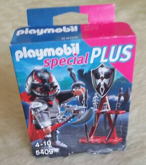 PLAYMOBIL 5409 knight with weapons brand new in unopened box