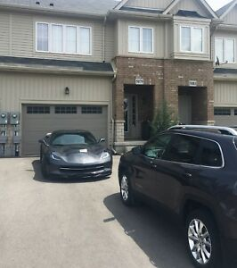 Beamsville luxury freehold townhouse 1650sf