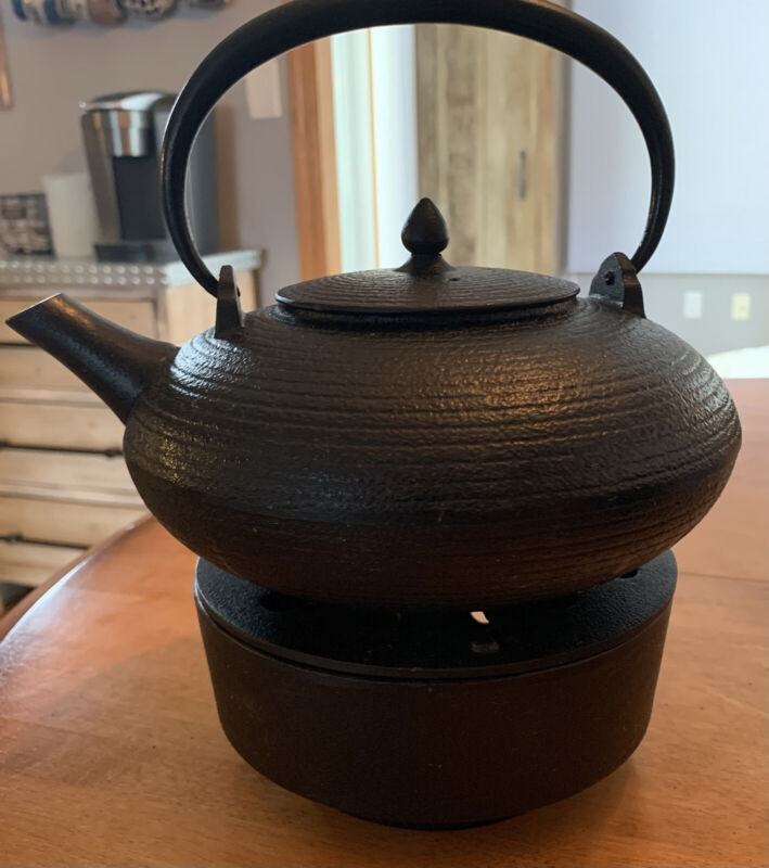 ORBITZ TEA POT CAST IRON