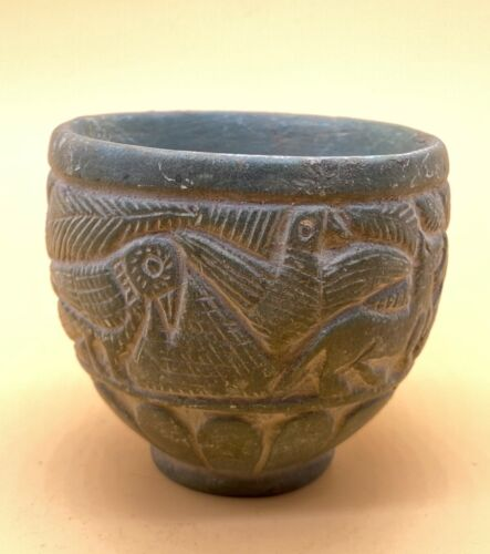 SCARCE-INTACT INDUS VALLEY STONE  POT 1900-1000 BC WITH INTAGLIO