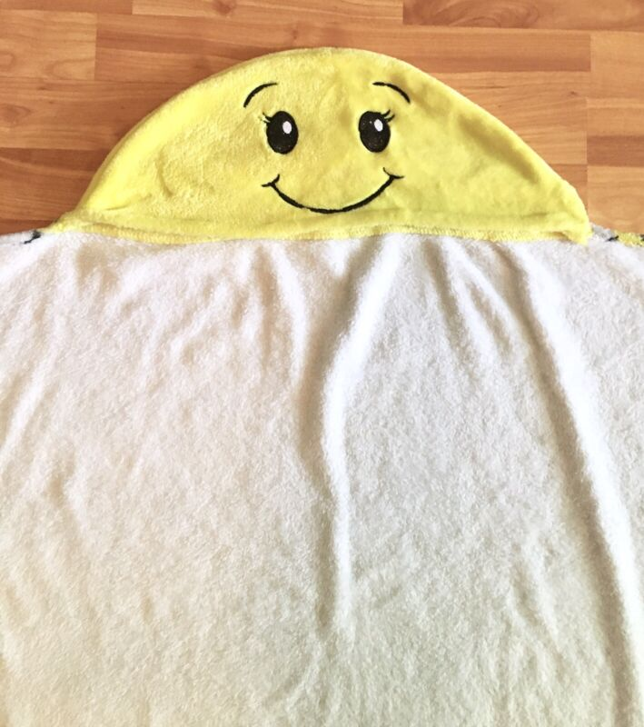 Love Justice Teen Girls One Size OS Plush Wearable Happy Face Mood Emoji Blanket