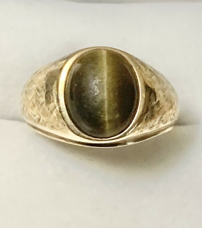 Men's 10kt. Yellow Gold & Cats Eye Vintage Ring Size: 10 w/h Brush Gold