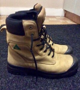 Men's Aggressor CSA Work Boots from MARKS in As New Condition.