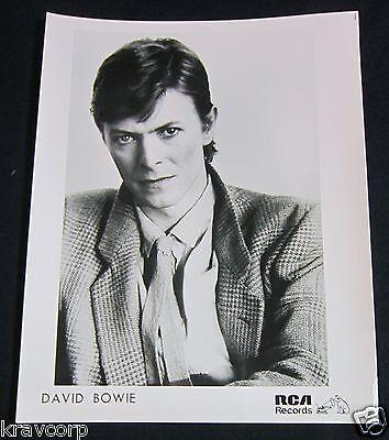 DAVID BOWIE—1970s PUBLICITY PHOTO