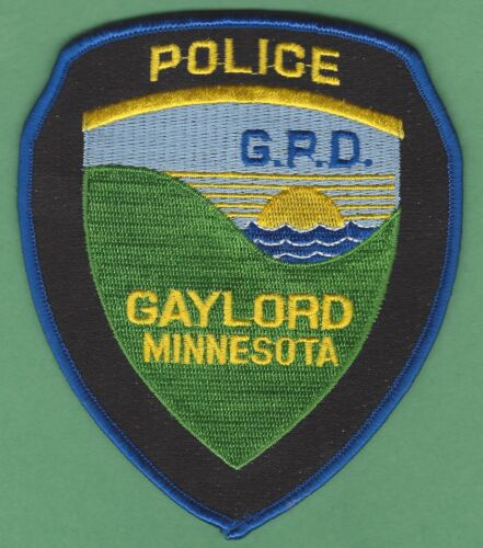 GAYLORD MINNESOTA POLICE SHOULDER PATCH BLUE BORDER