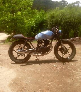 Suzuki cafe racer NEED GONE TODAY Throw me offers