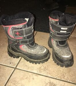Boys size 10 boots
