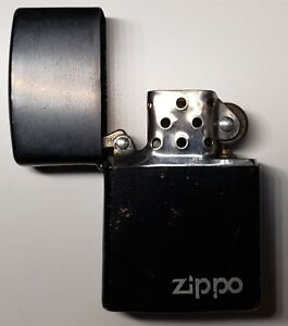 Briquet Zippo Noir / Zippo Black Lighter Great Condition