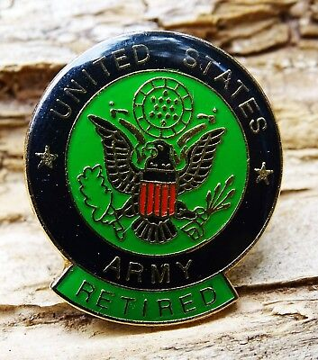 NEW UNITED STATES ARMY RETIRED PWII LAPEL PINBACK BUTTON - NICE - COLORFUL GREEN