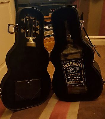 JACK DANIELS Limited Edition Guitar case set with stopper - New without bottle